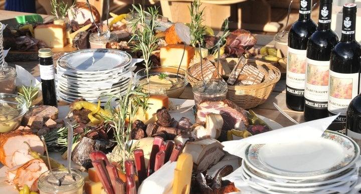 Köstlichkeiten aus der neuen Höflehner-Metzgerei