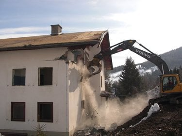 Beginn des Umbaus am 16. März 2009