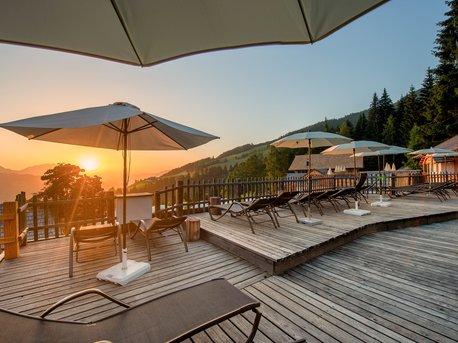 Terrasse mit Sonnenaufgang