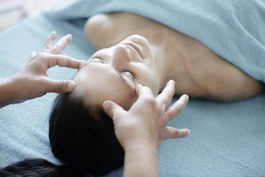 Gesicht Massage