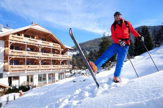 Hotelansicht Winter (1)