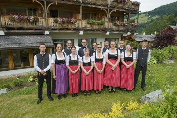 Restaurant Team unter der Leitung von Alexander Filipovic, 5. von links