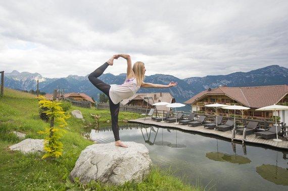 Yoga beim Naturteich