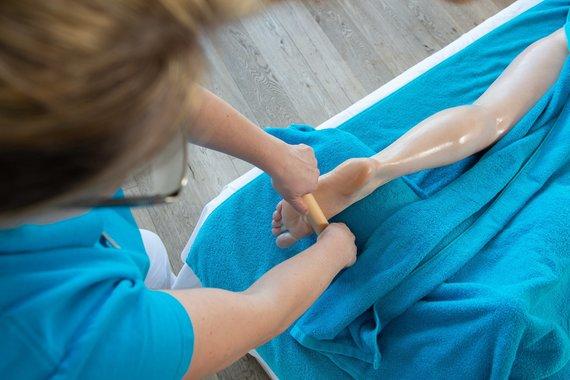 Zirbenmassage