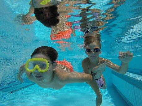 Tauchen im 25 m Pool