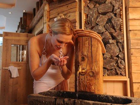Brunnen im Saunabereich