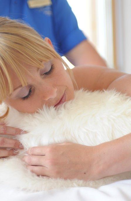 entspannende und aktivierende Massagen