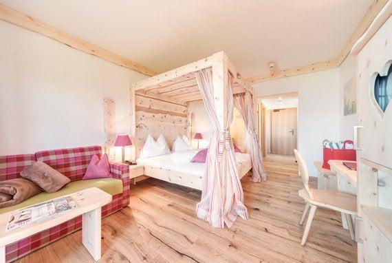 Süße Träume im Himmelbett in Ihrem Erholungsurlaub in der Nähe von Schladming.